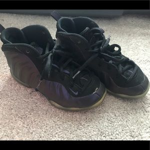 Nike boys shoes high tops size 13C black/purple